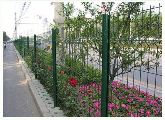 桃形立柱护栏网